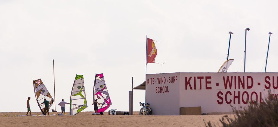 Windsurf w Flag Beach Corralejo Spoty do windsurfingu na Fuerteventura